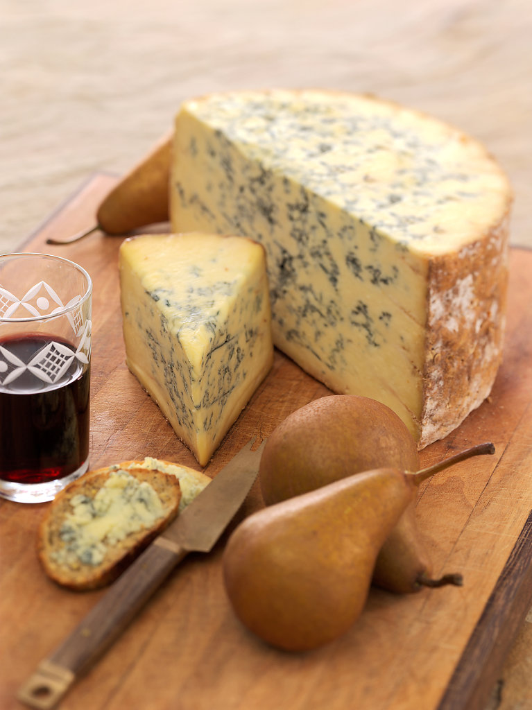 Stilton-Blue-cheese-wine.jpg
