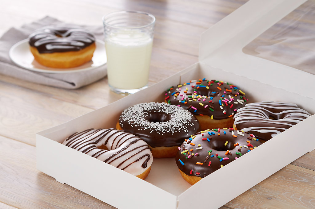 Assorted-Doughnuts-W-Box-Glam.jpg